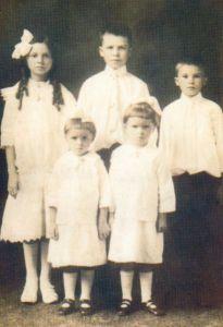 Malec children. 1909.